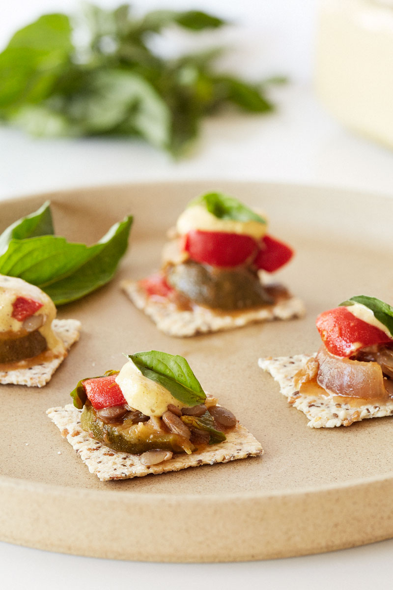 mediterranean-lentil-basil-summer-squash-crostini-cracker-bites-gluten-free-1200
